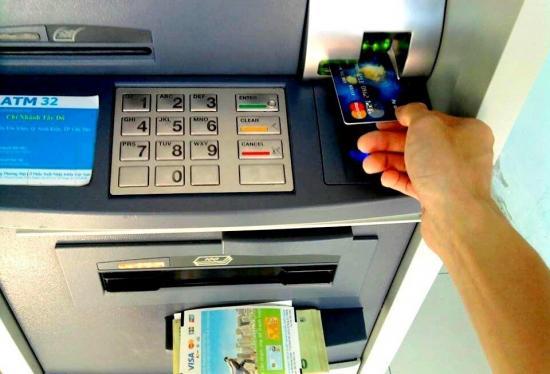 Cách chuyển tiền qua cây ATM