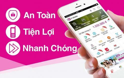 Home Credit và Momo cho vay tiền trên ứng dụng điện thoại