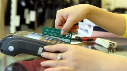Cách tính lãi và phí phạt khi dùng thẻ tín dụng